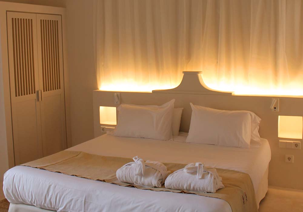 Cama Junior Suite Ibiza - Yartan Boutique Hotel